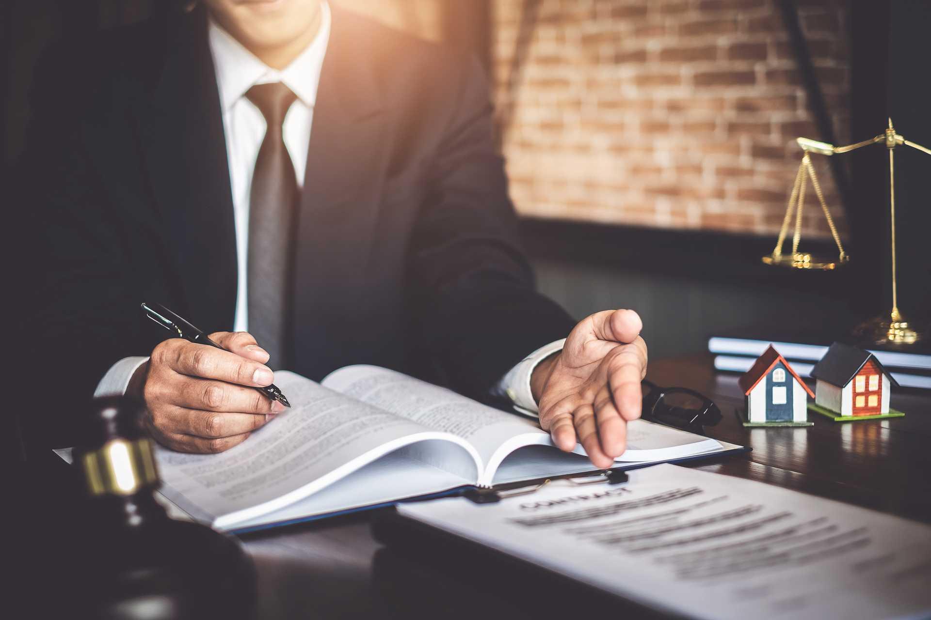 Notarielle Beurkundung eines Kaufvertrags - Marc Härter Immobilien